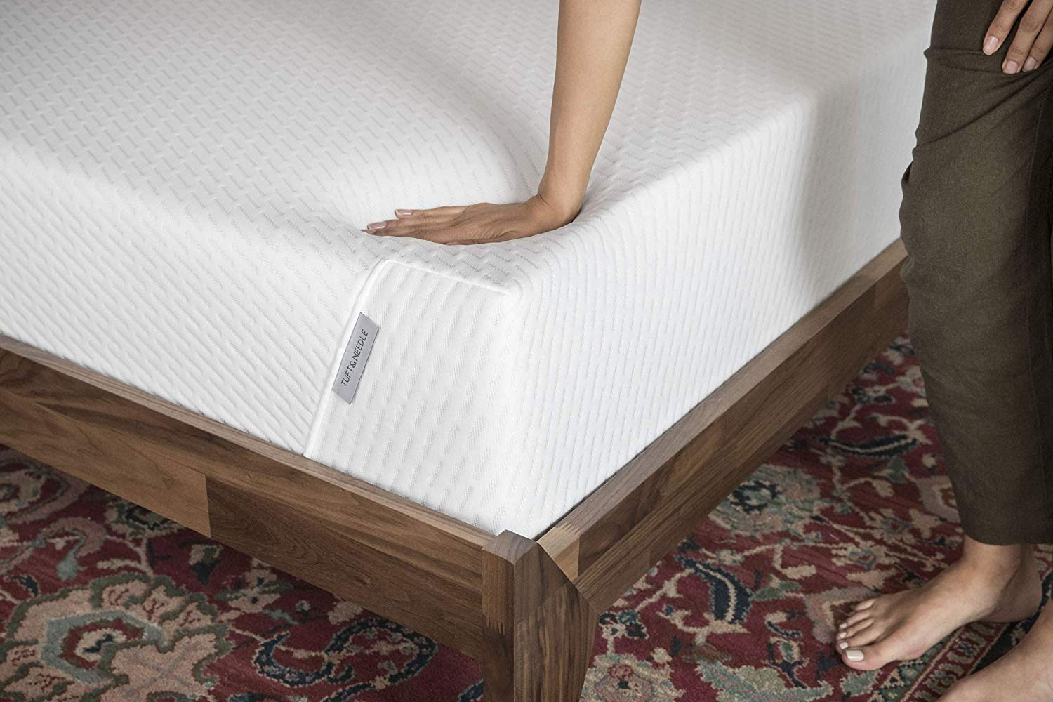Lucid Vs Tuft and Needle Mattress Review - Firmness and Motion Isolation